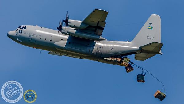 C-130 cargo drop