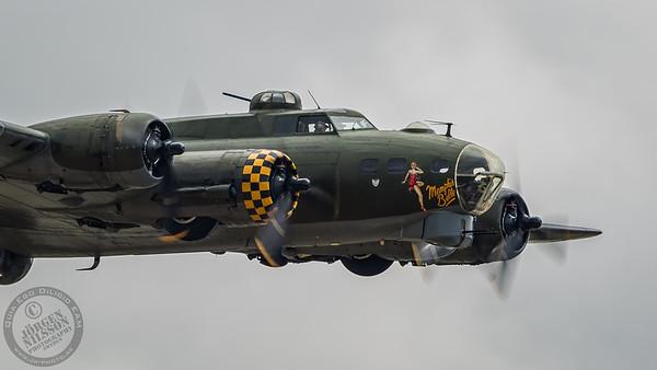 Boeing B-17G - Sally B