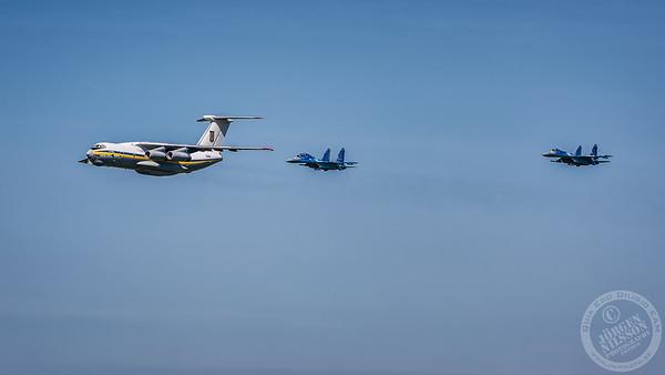 Il-76 and Su-27