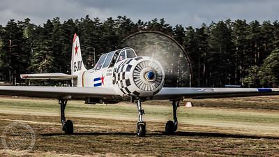 Yak-52