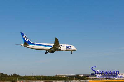 ANA 787-8 Short Final
