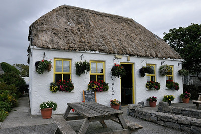 Kilmurvey Village near Dún Aenghus. I had great Guinnes Stew at this little cafe.