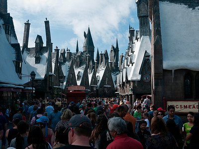 Harry Potter was very crowded at Universal Studios.