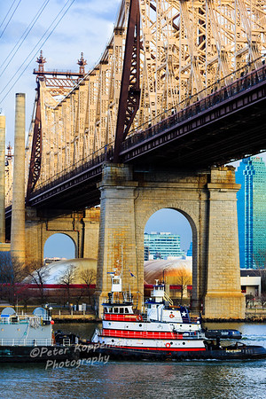Tug and Manhattan Bridge