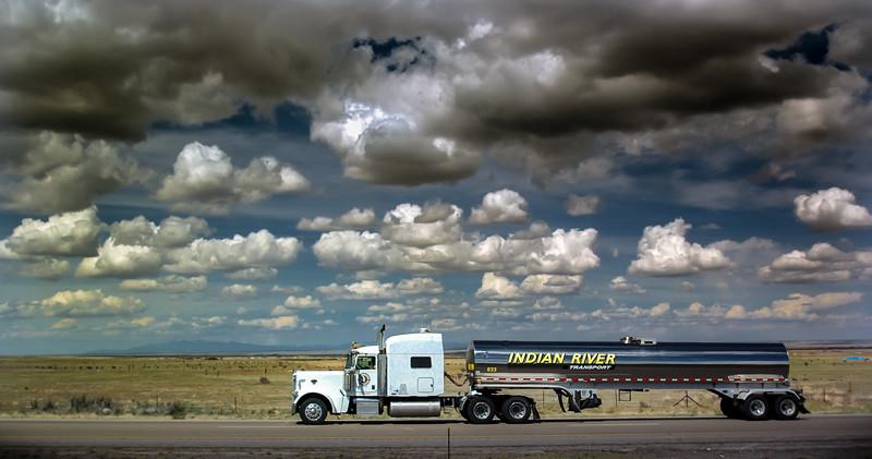 0_04_03_10_truck_102