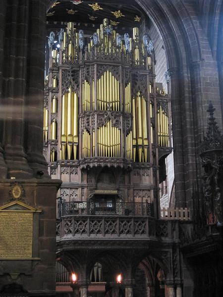 The organ.  Handel rehearsed Messiah here.