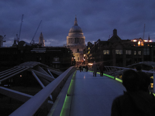 We walked back over the Millenium Bridge toward St. Paul's and a ride on the underground back to Kensington.