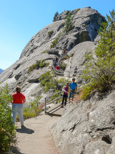 The next stop was Moro Rock.  It is 300 feet to the top.