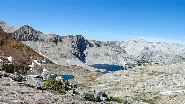 The view north from Pinchot Pass.