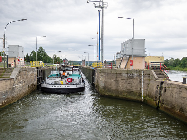 July 19.  Entering a lock on the Main.  This one has room for both the Embla and a barge.