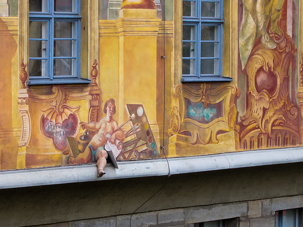 There are some strange things on the Rathaus wall.  That leg for instance ...