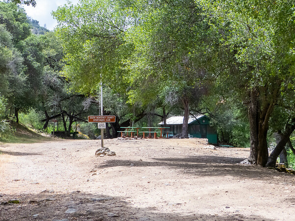 Tuesday, May 7.  I began at the Santa Lucia Memorial Park.  The Arroyo Seco trail starts as a road to the Sportsman's Club.  The real trail begins at the left.