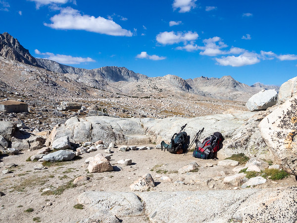 Piute Pass.  Windy and chilly today.  Our plan was to head for Desolation Lake.  With the wind, it seemed best to head down to the more sheltered Golden Trout Lakes.