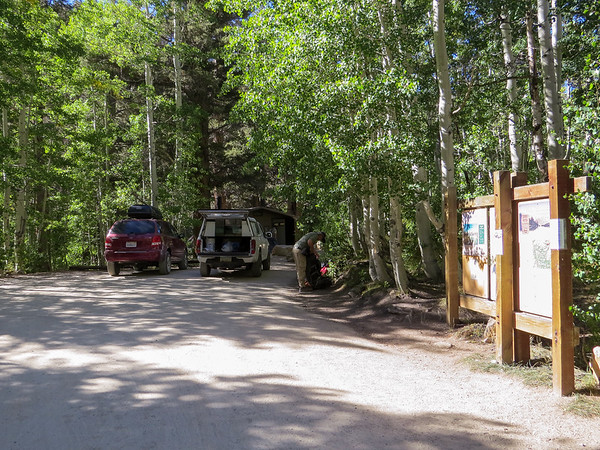 Saturday, September 6.  The Piute Pass / Lamarck Lakes Trailhead.  We dropped the packs here.  After unloading -- Alex got me in the act here -- I took the car to the North Lake parking lot and walked the 3/4 mile back.