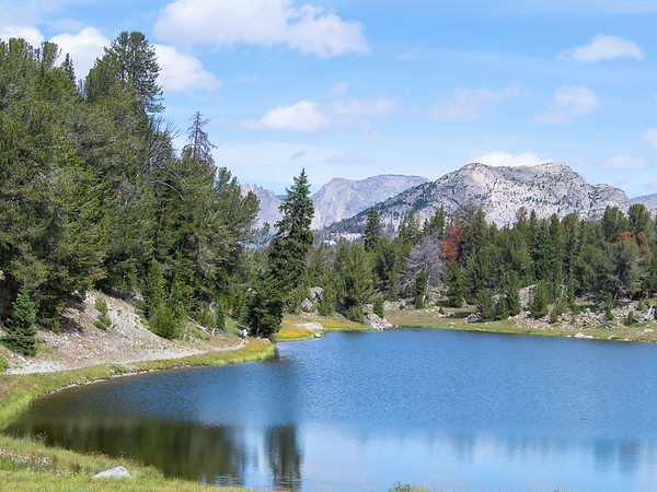 I had lunch here at Mirror Lake, at the north end of Fish Creek Park.  Mount Hooker is the big flat face in the distance.