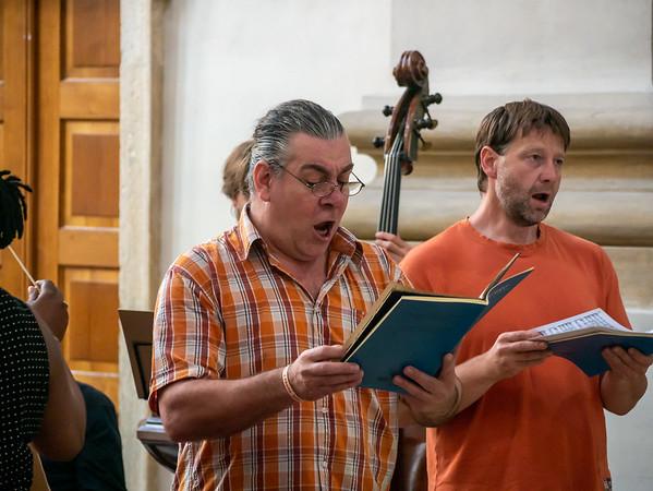 Bass Tomáš Bartůněk and tenor Josef Moravec.