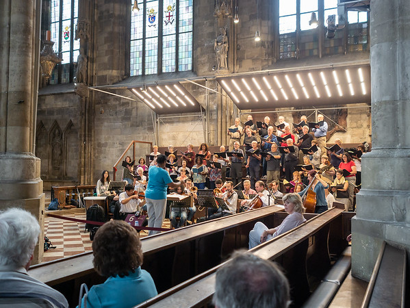 Rehearsing at the Stephansdom: a closer view.