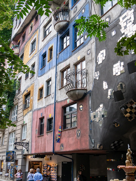 Sunday, June 18.  Our day started with a bus tour of the Ring.  The first stop was the  Hundertwasserhaus, the expressionist vision of artist Friedrich Hundertwasser.