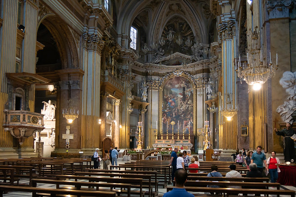 Inside the Basilica Santi XII Apostoli at about 8:25.  Mass is over but the concert is still 35 minutes away.