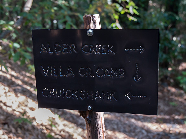 """The Villa Creek camp turnoff.  On the 17th, I dropped to this camp, went ahead to Cruikshank camp to see what it looked like, and then returned the 1/2 mile to the better Villa Creek Camp.  (And please note William Cruikshank wrote his name with one """"c"""".)"""