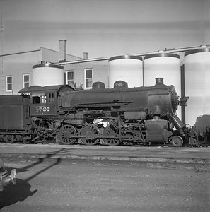 2018.008.CNW.S.0006--bruce meyer 116 neg--C&NW--steam locomotive 2-8-0 Z 1761 (retired)--Rochelle IL--1956 1123