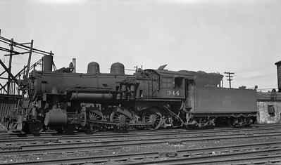 2018.008.CNW.S.0070--bruce meyer PC neg--C&NW--steam locomotive 4-6-0 R-1 344 at 40th Street--Chicago IL--1950 0507