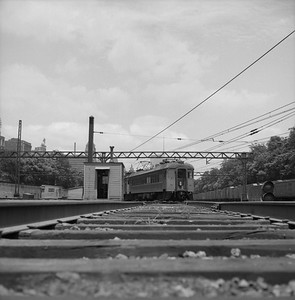 2018.008.CSSSB.I.018--bruce meyer 120 neg--CSS&SB--electric interurban southbound passenger train passing ICRR Central Station at 12th Street--Chicago IL--1958 0626