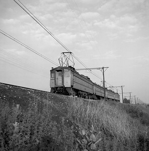 2018.008.CSSSB.I.008--bruce meyer 120 neg--CSS&SB--electric interurban eastbound passenger train crossing bridge at 130th and Torrence--Chicago IL--1958 0623