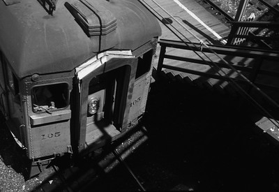 2018.008.CSSSB.I.019--bruce meyer 35mm neg--CSS&SB--electric interurban 105 southbound view from above at 12th Street--Chicago IL--1958 0808