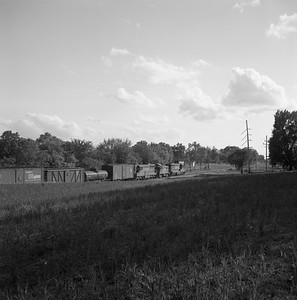 2018.008.CIM.F.066--bruce meyer 120 neg--C&IM--diesel freight train southbound scene--north of Bishop IL--1959 0529