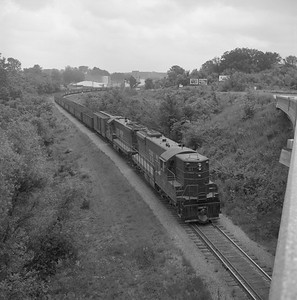 2018.008.CIM.F.078--bruce meyer 120 neg--C&IM--diesel freight train northbound--Petersburg IL--1959 0610