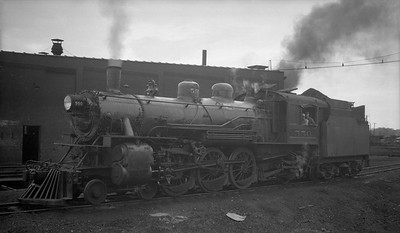 2018.008.DSSA.S.05--bruce meyer 116 neg [Robert Graham]--DSS&A--steam locomotive 4-6-2 550--Marquette MI--1934 0905