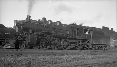 2018.008.DSSA.S.02--bruce meyer 116 neg--DSS&A--steam locomotive 4-6-2 552 near CMStP&P depot--Minneapolis MN--no date