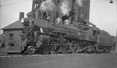 2018.008.DSSA.S.01--bruce meyer 116 neg [Harold VanHorn]--DSS&A--steam locomotive 4-6-2 552 at Shoreham in pool service with NP and SOO--Minneapolis MN--1946 0000