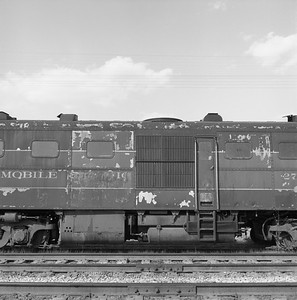 2018.008.GMO.D.121--bruce meyer 120 neg--GM&O--ALCO diesel locomotive 271 (retired and turned in to EMD) detail--McCook IL--1963 0406