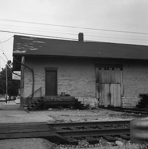 2018.008.GMO.Z.724--bruce meyer 120 neg--GM&O--freighthouse--Lincoln IL--1980 0615