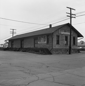 2018.008.GMO.Z.722--bruce meyer 120 neg--GM&O--freighthouse--Lincoln IL--1980 0615