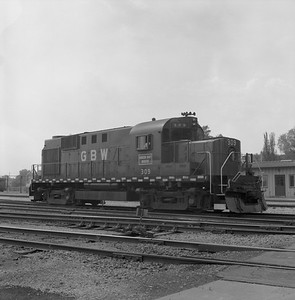2018.008.GBW.D.029--bruce meyer 120 neg--GB&W--ALCO diesel locomotive 309--Green Bay WI--1985 0526