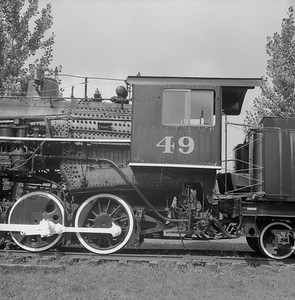 2018.008.GBW.S.229--bruce meyer 120 neg--GB&W--steam locomotive 2-8-0 49 on display detail at museum--North Freedom WI--1989 0820