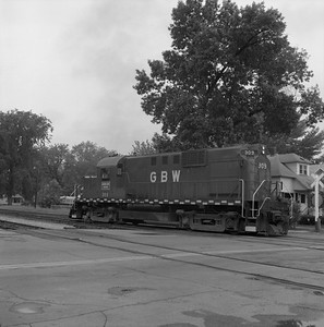 2018.008.GBW.D.023--bruce meyer 120 neg--GB&W--ALCO diesel locomotive 309--Green Bay WI--1985 0526