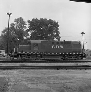2018.008.GBW.D.028--bruce meyer 120 neg--GB&W--ALCO diesel locomotive 309--Green Bay WI--1985 0526
