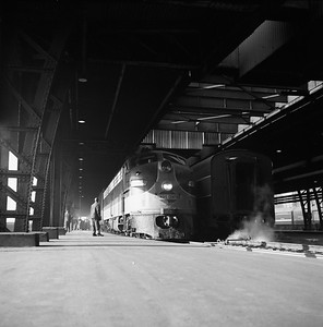 2018.008.IC.PD.01960--bruce meyer 120 neg--ICRR--EMD diesel locomotive 4029 on passenger train Night Diamond at 12th Street--Chicago IL--1958 0618