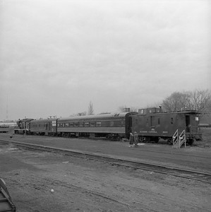 2018.008.IC.FD.1898--bruce meyer 120 neg--ICRR--EMD diesel locomotive caboose and equipment open house display--Champaign IL--1958 0315