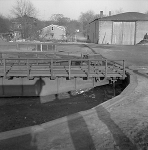 2018.008.IC.Z.0010--bruce meyer 120 neg--ICRR--turntable detail--Bloomington IL--1954 0000