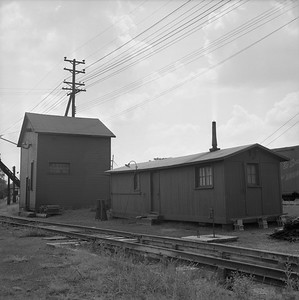 2018.008.IC.Z.1255--bruce meyer 120 neg--ICRR--sandhouse and tool house--Bloomington IL--1957 0814