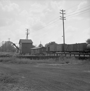 2018.008.IC.Z.1258--bruce meyer 120 neg--ICRR--turntable and servicing facility--Bloomington IL--1957 0814