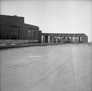 2018.008.IC.Z.0012--bruce meyer 120 neg--ICRR--roundhouse exterior--Champaign IL--1954 0000