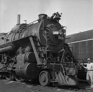 2018.008.IC.S.0930--bruce meyer 120 neg--ICRR--steam locomotive 2-10-2 2808 front detail--Paducah KY--1957 0715