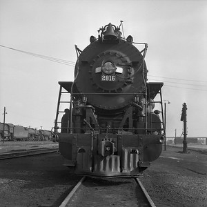 2018.008.IC.S.1061--bruce meyer 120 neg--ICRR--steam locomotive 2-10-2 2816 front view--Paducah KY--1957 0715