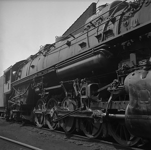 2018.008.IC.S.0985--bruce meyer 120 neg--ICRR--steam locomotive 2-10-2 2816 detail--Paducah KY--1957 0715